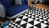 Onix 06 Triangles Black Rug