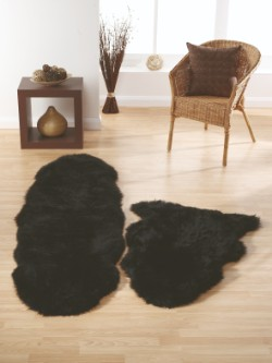 SheepSkins Hug Black Rug